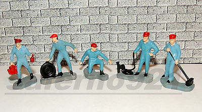 LOT OF MECHANIC  FIGURES SET OF FIVE (5)  1:43 (O) Scale DIORAMA ACCESSORIES!
