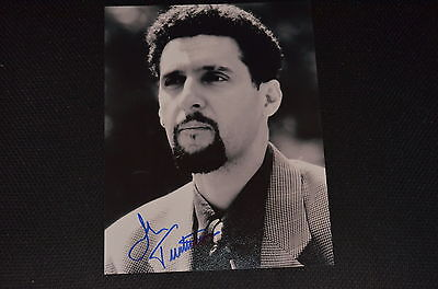 JOHN TURTURRO signed Autogramm 20x25 In Person SCHWARZENEGGER Collateral Damage