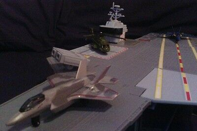 Matchbox skybusters aircraft carrier with 3 included aircrafts