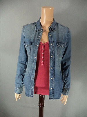 IF I STAY KAT HALL MIREILLE ENOS SCREEN WORN SHIRT SET CH 11 SC 75