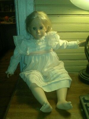 Haunted Doll Cindy *very active*