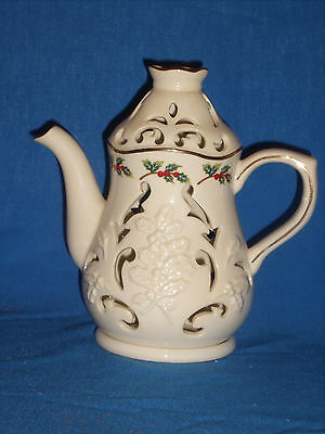 Partylite HOLLY LEAF Teapot Tealight Candle Holder P7256 Christmas (HH-7)