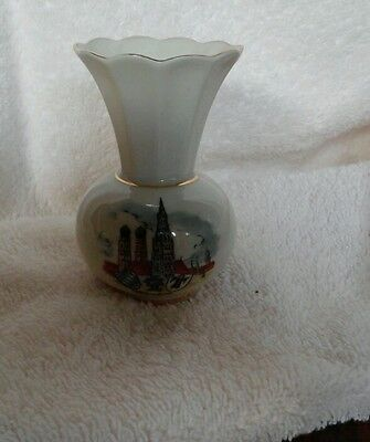 BAVARIAN SMALL VASE-MUNCHEN-3 1/2INCHES in height