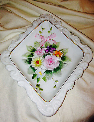 Lefton KW4874 Diamond Shape Wall Plaque Flowers and Ribbon Bow