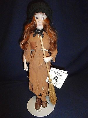 "Les Miserables ""COSETTE"" Porcelain Doll Effanbee Broadway Footlights Collection"