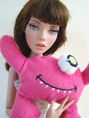 Mini Pink Monster Doll Plush Toy Sasha Tonner Ellowyne Deja Vu Jamieshow Deva