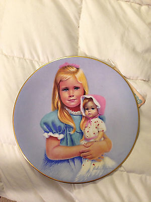 VINTAGE 1983 KERN CHILDHOOD INNOCENCE SARAH GIRL FINE CHINA PLATE DISH