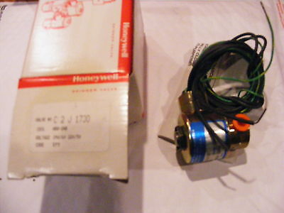 "Honeywell C2J1730 Solenoid Valve 1/8"" Brass-2 Way- 240/60-Nos"