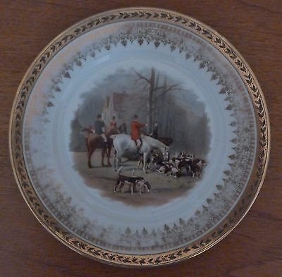 "Vintage Austrian 9-1/2"" tally ho hunting scene plate with heavy gold trim"