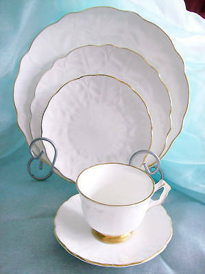 Aynsley GOLDEN CROCUS 5 piece PLACE SETTING Made in England