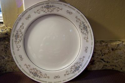FINE PORCELAIN CHINA WADE DIANE MADE IN JAPAN DINNER PLATE