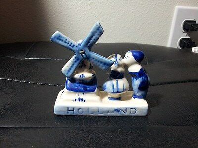 Small DELFT Blue spinning windmill Boy and Girl Kissing Holland Handpainted