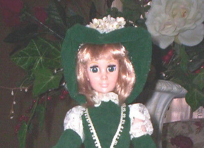 BEAUTIFUL VINTAGE EEGEE MADAME DOLL WITH OPEN/CLOSE GREEN EYES