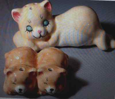 Mother Cat with Kittens salt pepper shakers
