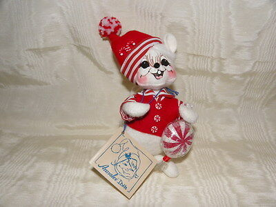 2007 ANNALEE hand painted~White boy Christmas Mouse~with peppermint candy