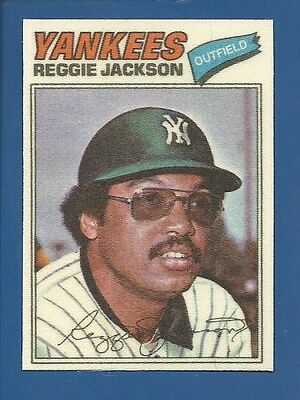 1977 Topps Cloth Stickers # 22 Reggie Jackson Yankees NM/MT Additional ship free