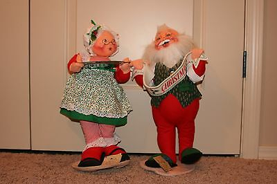 """ANNALEE 18"""" MR. CLAUS W/LARGE BANNER (#5518) & MRS.CLAUS W/COOKIE TRAY (#5512)"""