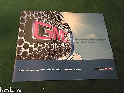 Mint 2005 Gmc Sierra Canyon Yukon Envoy + Sales Brochure 25 Pages New (Box 314)