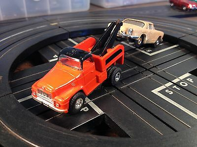 Aurora HO Slot Car T-Jet Red Tow Truck w/ Maserati LQQK Now NEED GONE!