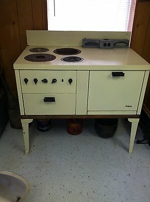 Antique Hotpoint Electric  Stove, Circa 1933, 220 Volts