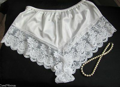 Vintage White Chantilly Maidenform Pantie~Silky Lovely Nylon~ Size 5~Lacy!!