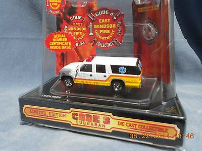 Code 3 diecast 1:64 GMC 1995 Suburban Fire East Windsor Township Rescue Squad