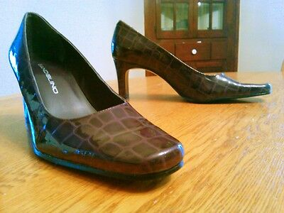 Bandolino Purple Leather Alligator Embossed Pumps EXC Condition Square Toe 6M