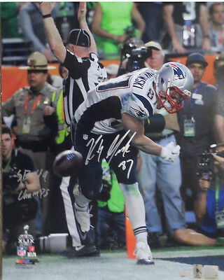 Rob Gronkowski Autographed Patriots Super Bowl 49 Spike 16x20 Photo NEP COA