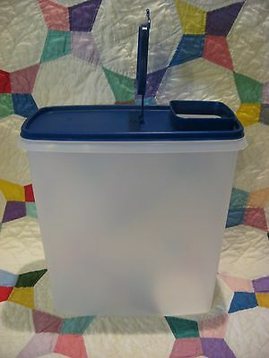 TUPPERWARE Super CEREAL Storer Keeper 20-Cup Canister Bold N BLUE Seal/Lid #1588