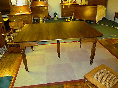 """antique oak dining table extension 42"""" X 30"""" closed 42"""" X 60"""" open Refinished"""