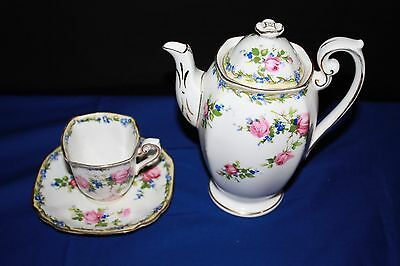 Standard China supplied to H.M. the Queen Coffee/tea set