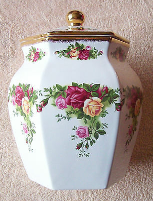Royal Albert Old Country Roses - New - NWT - Biscuit Jar