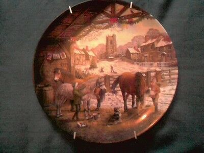 'WEDGWOOD' CHRISTMAS PORCELAIN/CHINA PLATE WITH CERTIFICATE AND WALL HANGER