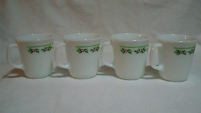 Lot of 4 Corelle Holly Days Berry Christmas Holiday 8 oz Coffee Mugs Cups EUC