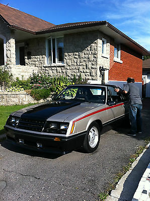 Ford : Mustang cobra pritty clean .great condition..bit of chrome in engine.