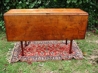 Rare Early Federal Northern New England Tiger Maple Dropleaf Harvest Table 1790s