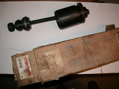 Carrier Service Tool. Bearing Puller 12240 for Carrier/Carlyle Compressor 5F & H