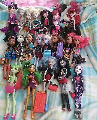 Huge Lot of 20 Monster High Dolls and Accessories