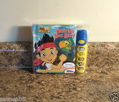 Disney Jake and The Neverland Pirates Play A Sound Book and Flashlight Set NEW