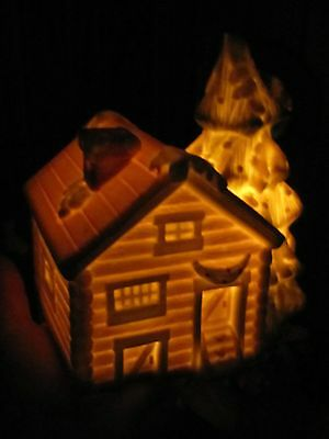 "Lovely Ceramic Lighted House for Christmas Village (Plays ""Winter Wonderland"")"