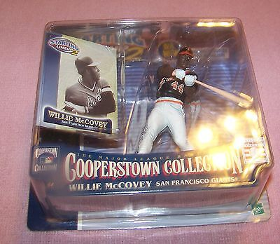 NIB 2001 -Hasbro- StartingLineup2 -MLB- Cooperstown Collection - Willie McCovey