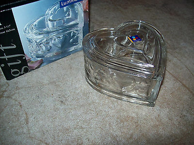 valentine heart box,luminarc with lid.fine clear glass.new hearts side design EX