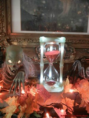 ANIMATED LIFE SIZE YOUR TIMES RUNNING OUT HOUR GLASS HALLOWEEN PROP (see video)