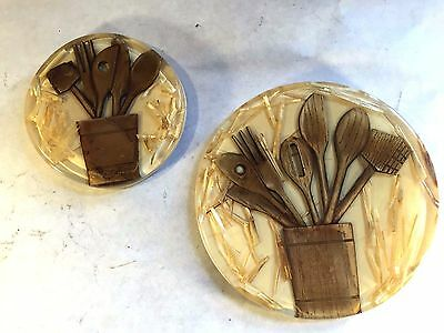 2 Vtg MID CENTURY LUCITE ACRYLIC Real Straw & Wooden Spoon Trivet Coaster