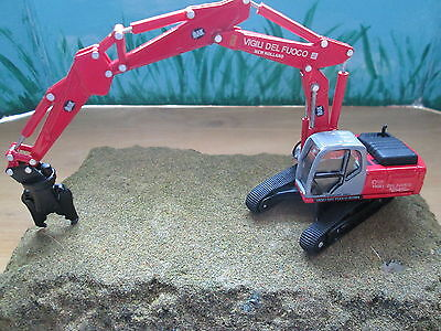 Herpa (1:87/HO) New Holland E 245 Demolition Crane  #6496