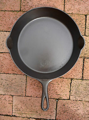 Erie Cast Iron Skillet Size 9 Fourth Series (c. 1905)