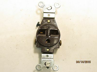 Leviton S01-5029-0is Straight Blade Single Receptacle