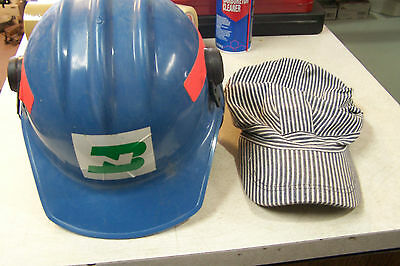 Bnsf hard hat with hearing protector & solf hat ==== last time listing