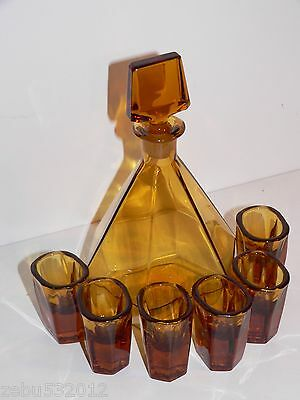 ANTIQE VINTAGE ART DECO YELLOW GLASS SET OF CARAFE AND 6 LIQUOR SHOTS