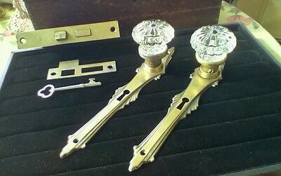 VINTAGE NOUVEAU BACKPLATE & RARE PETAL CRYSTAL GLASS KNOB SET/LOCK/STRIKE 3 of 3